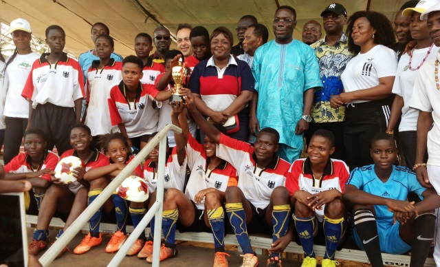 8 MARS :   -   UN GALA DE FOOTBALL FEMININ A MARQUE L'EVENEMENT A L'ETAT MAJOR GENERAL DES FAT A LOME